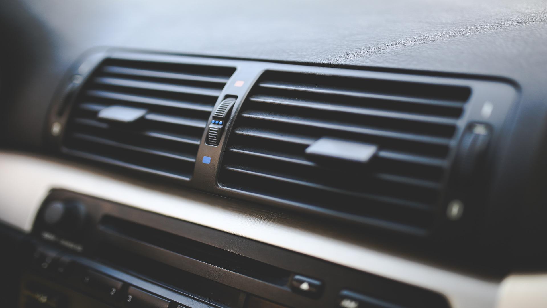 Cómo sacar el máximo partido al aire acondicionado de nuestro coche1920