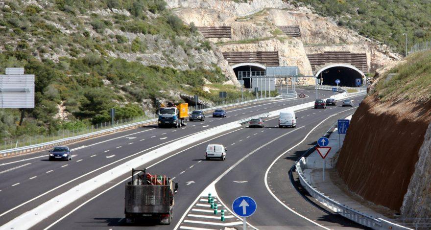 Nuevas señales de refuerzo en las autovías gallegas 1920