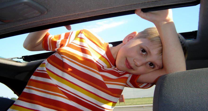 Los mejores coches para viajar con niños1920