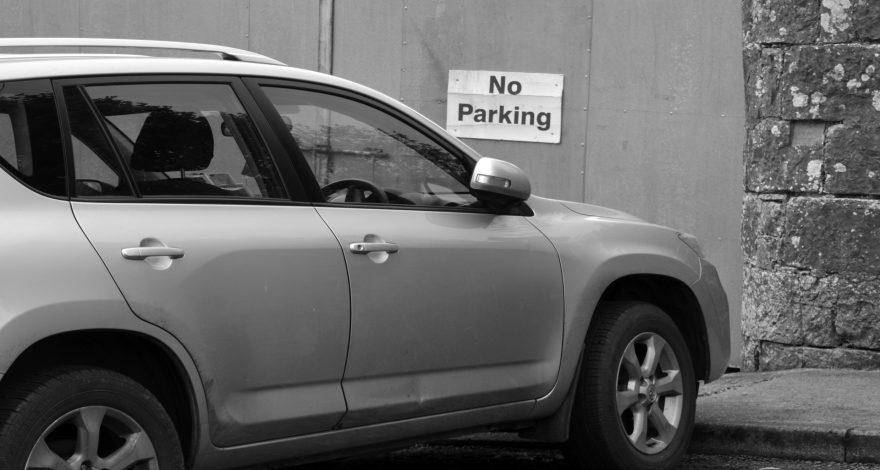 Cuidado con el tiempo que dejas aparcado el coche en un mismo sitio.1920