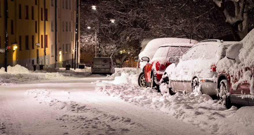 Las cadenas son imprescindibles para conducir cuando hay nieve. 1920