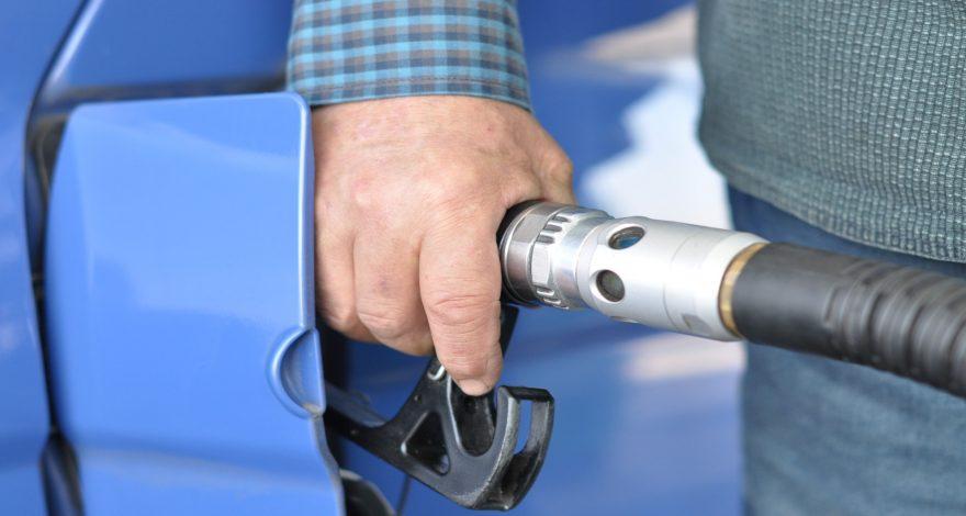 Sabias que en los presupuestos generales incluyen una subida del precio del combustible.1920
