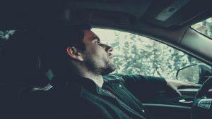 Razones para no fumar al volante1920