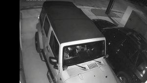 atento con un portatil y dos minutos ten han robado el coche.1920
