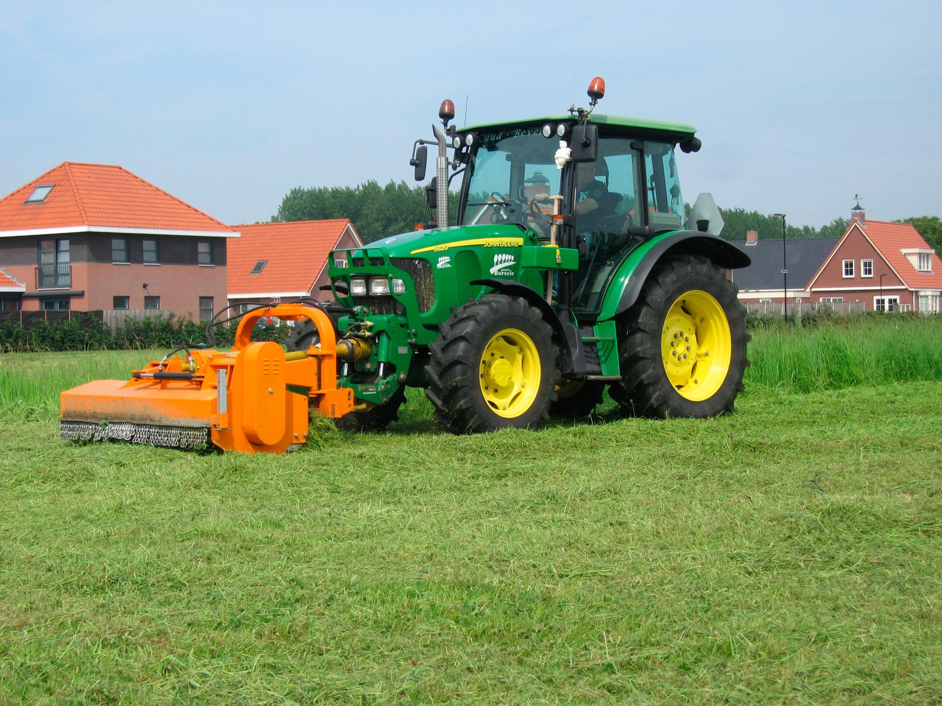 Mantenimiento-de-los-Tractores-Agricolas-1920