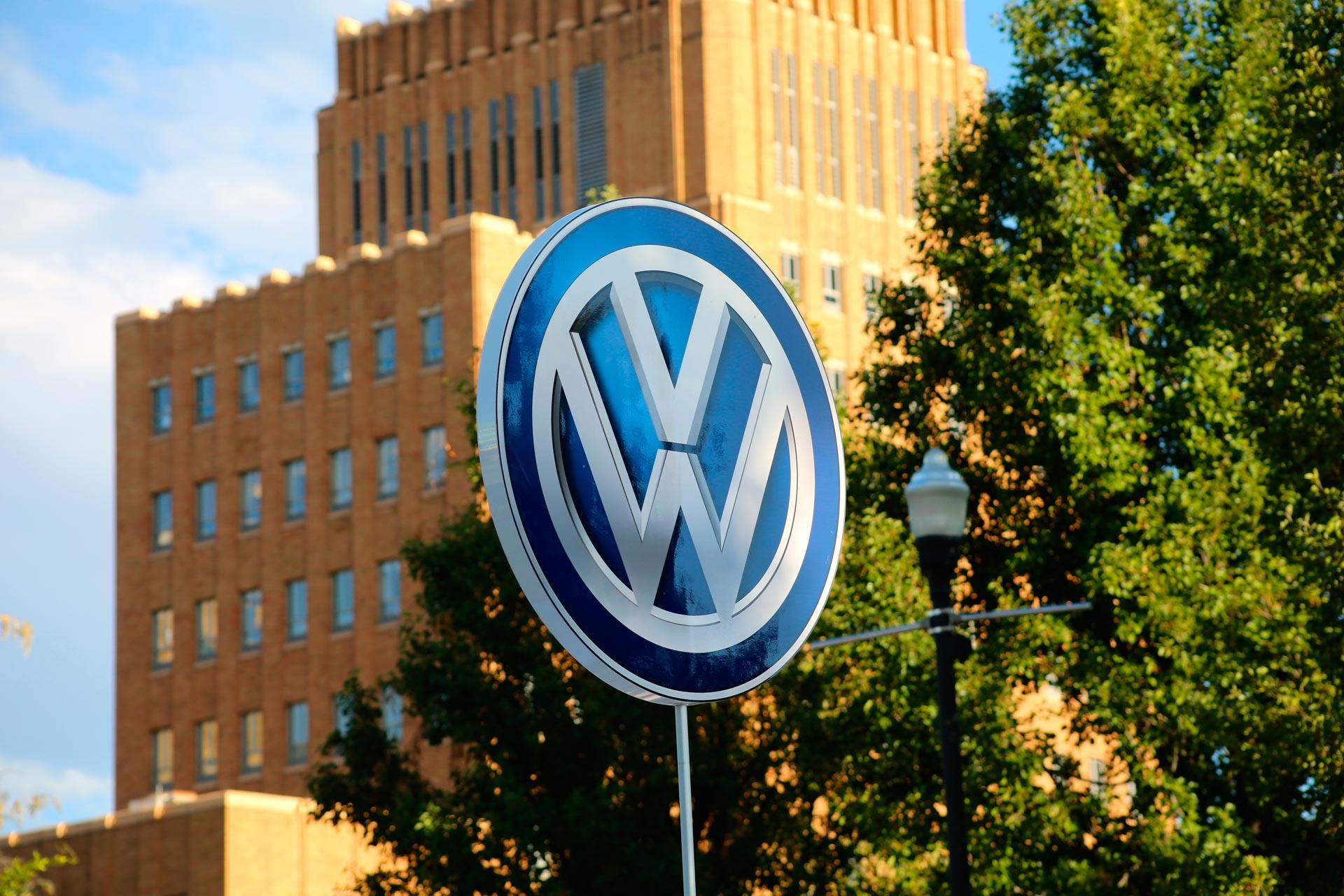 Volkswagen-revisara-todas-las-inversiones-1920