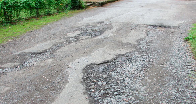 Una-carretera-en-mal-estado,-puedes-reclamar-los-danhos-1920