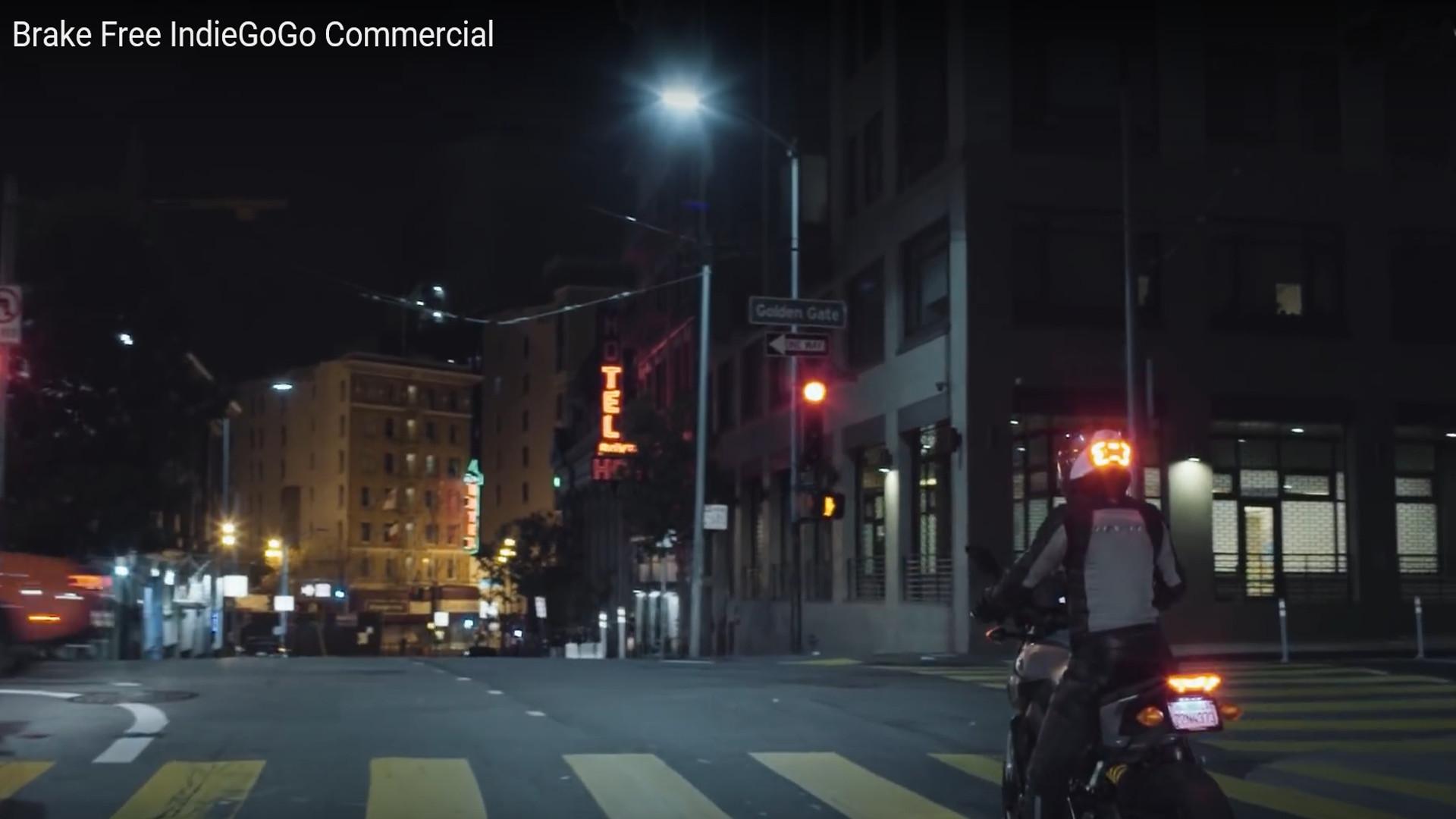 Las 100 luces Led que se adhieren al casco para salvar vidas1920