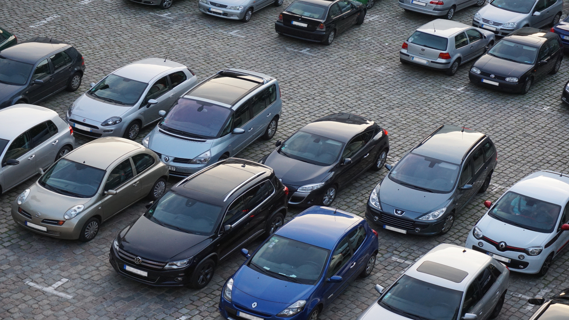 Cuánto tiempo puede estar un coche aparcado en el mismo lugar1920