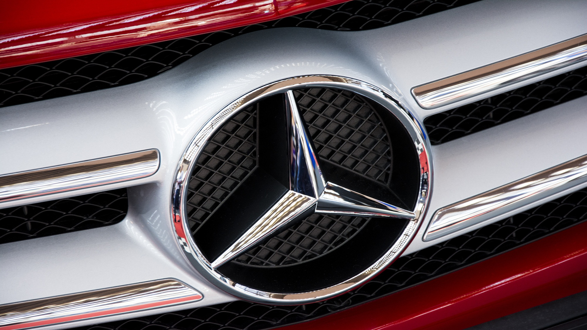 Ni Mercedes se libra El peligro de explosión del airbag de los Mercedes Benz.1920