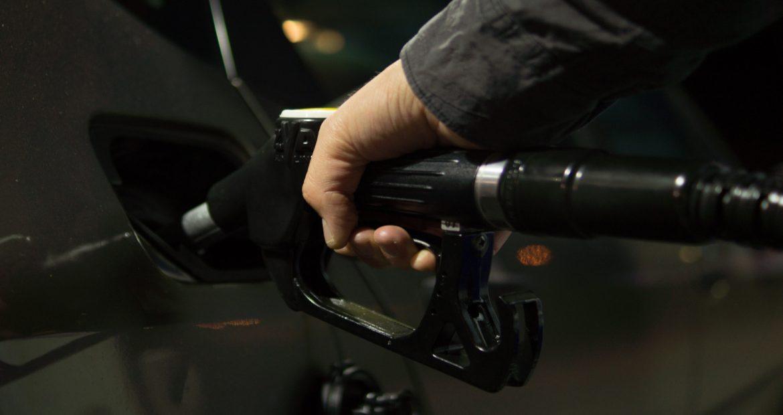 Como ahorrar gasolina sin tener que bajarte del coche.1920