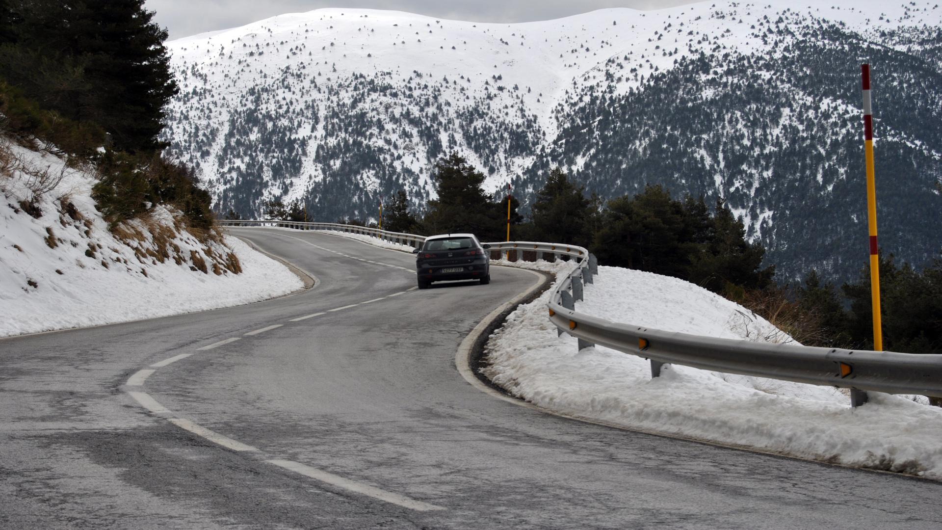 Es posible que este invierno nos veamos en la situacion de necesitar unas cadenas para poder circular con nuestro coche1920
