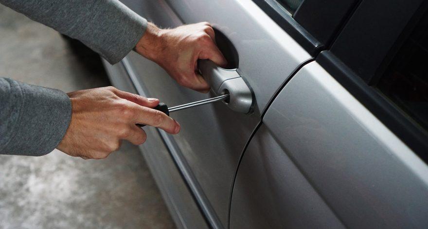 Toyota tiene una nueva patente contra los ladrones Gas lacrimogeno1920