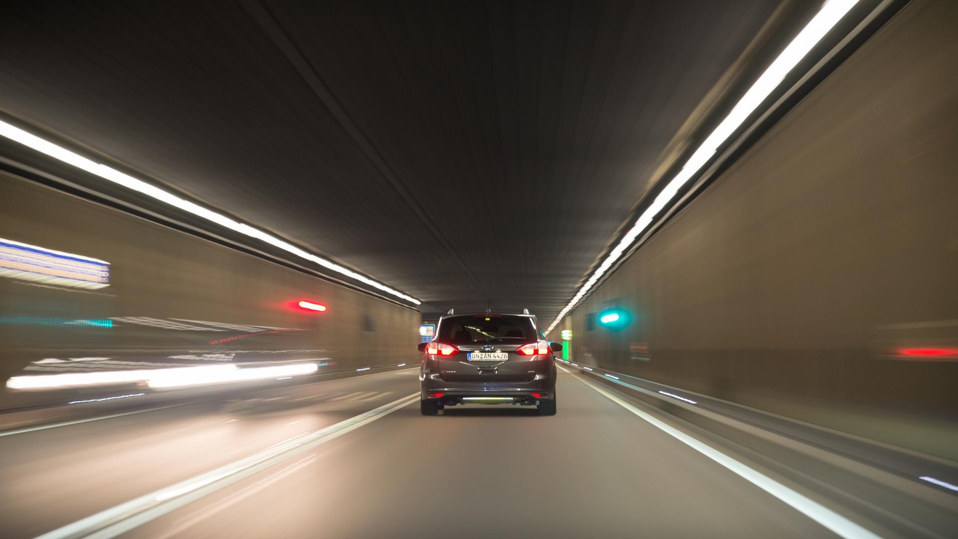 En 2022 diremos adios a las multas de velocidad.1920