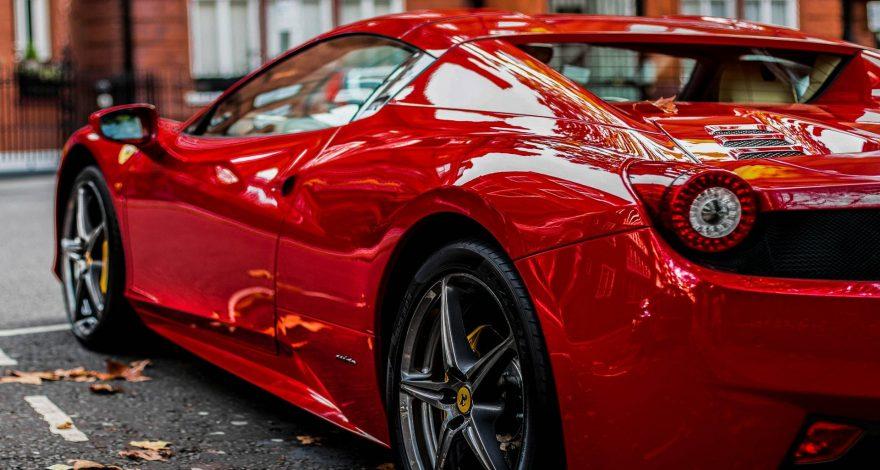 Comprar un Ferrari no es una buena idea1920