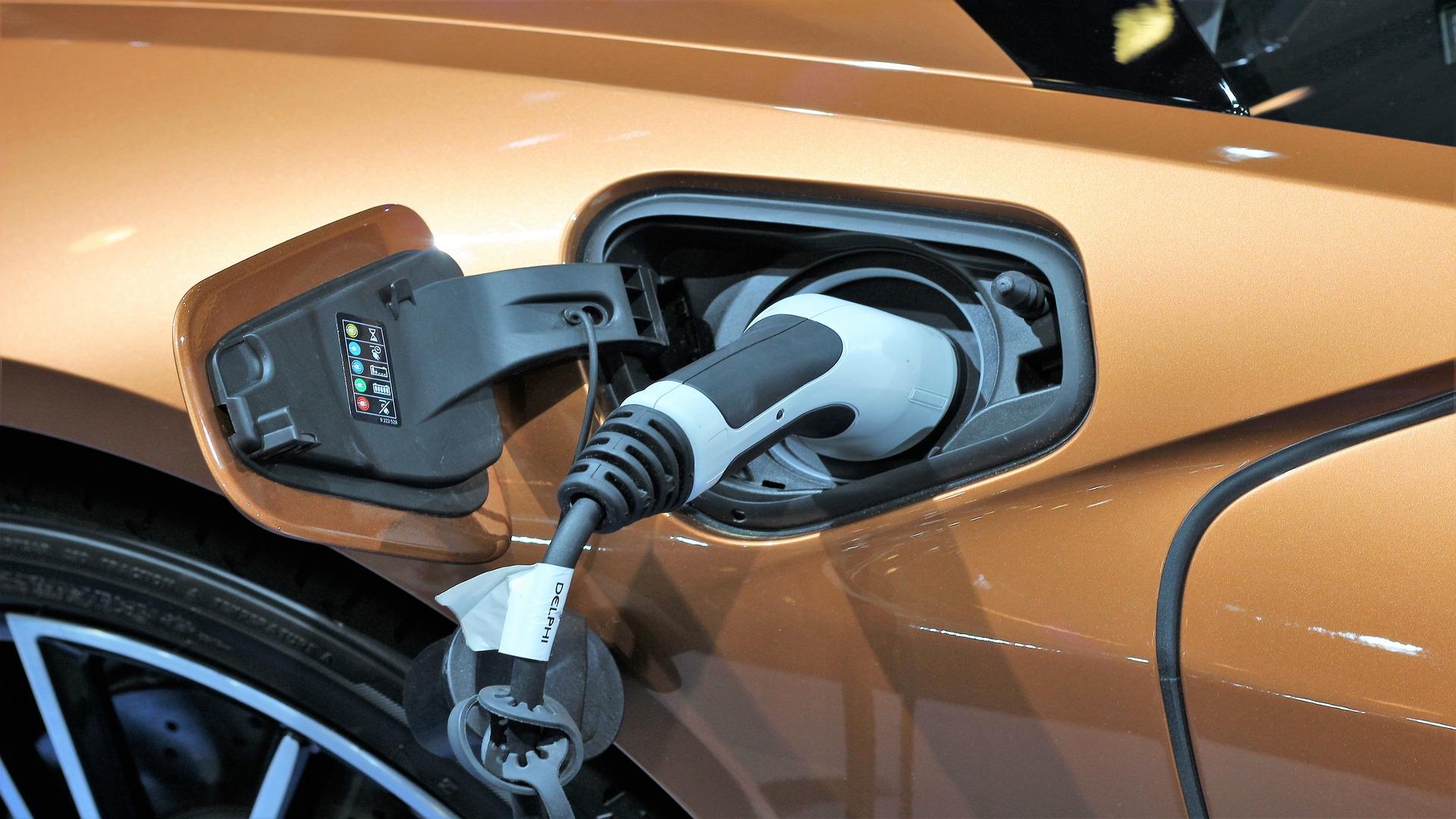 Nuevo plan del Gobierno para multiplicar las ayudas al coche electrico1920