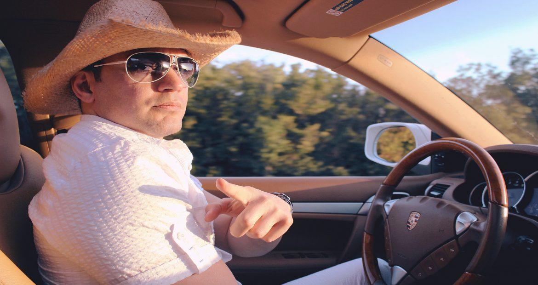 El reglamento general de conductores es clarito cuando se trata de renovar el carnet de conducir 1920