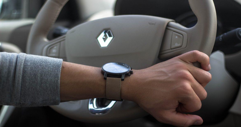 La mitad de los conductores españoles reconoce reincidir en comportamientos de alto riesgo al volante1920