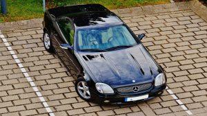 Te pueden multar por aparcar el coche en tu propio vado1920