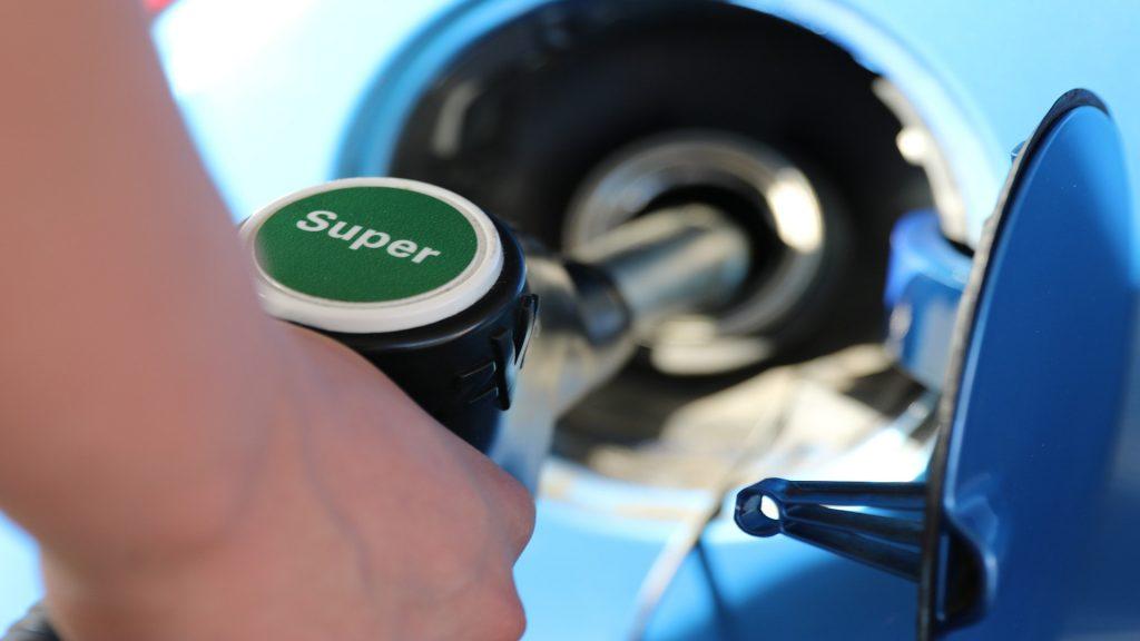 Se acaban las subvenciones a los coches gasolina y diésel