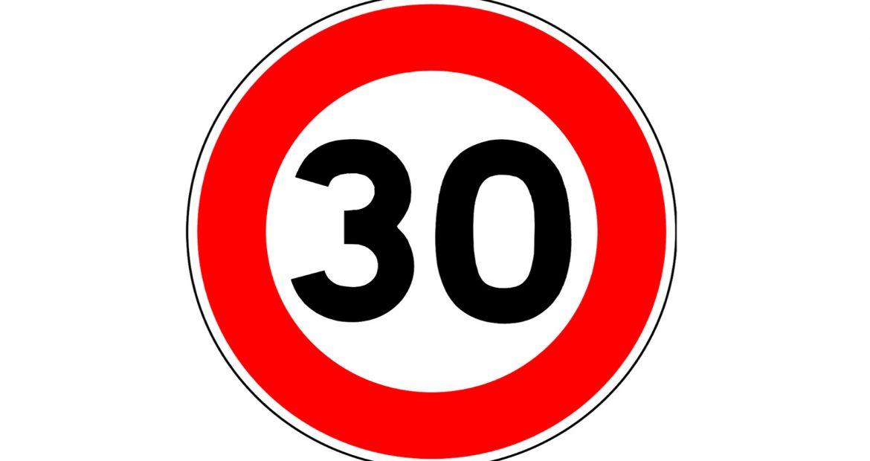 averias-que-puede-sufrir-un-coche-por-circular-a-30-km-por-hora-1920