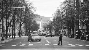 respeta-los-pasos-de-peatones-si-quieres-evitar-una-multa-1920