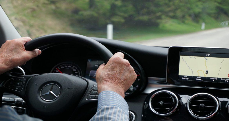 el-gran-debate-se-debe-dejar-conducir-a-los-ancianos-1920